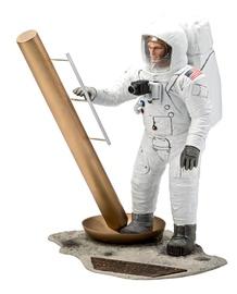Revell Apollo 11 Astronaut On The Moon 1:8 03702R