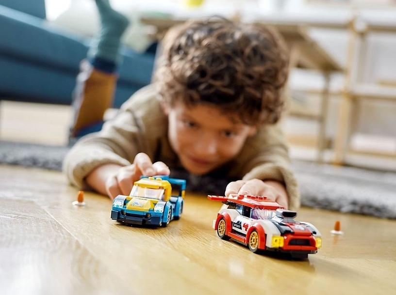 Konstruktorius LEGO® City 60256 Lenktyniniai automobiliai