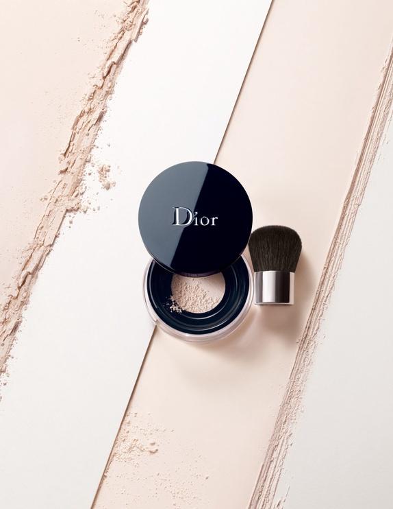 Biri pudra Christian Dior Diorskin Forever & Ever Control 01, 8 g