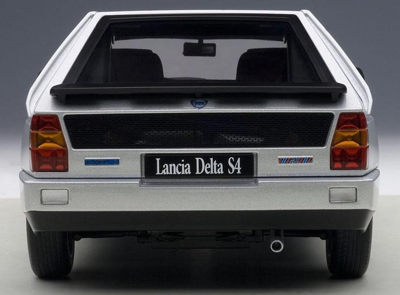 AUTOart Lancia Delta S4 Grey 74772