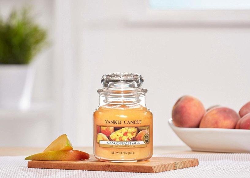 Ароматическая свеча Yankee Candle Classic Medium Jar Mango Peach Salsa, 411 г
