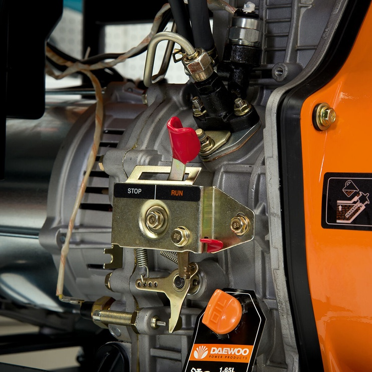 Daewoo DDAE 6000XE Diesel Generator Black/Orange