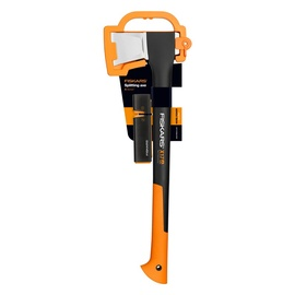 Fiskars X17 Axe + Sharpener Set