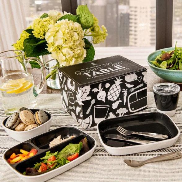 Munchkin Grown-Ups Table Splash Dining Set Black