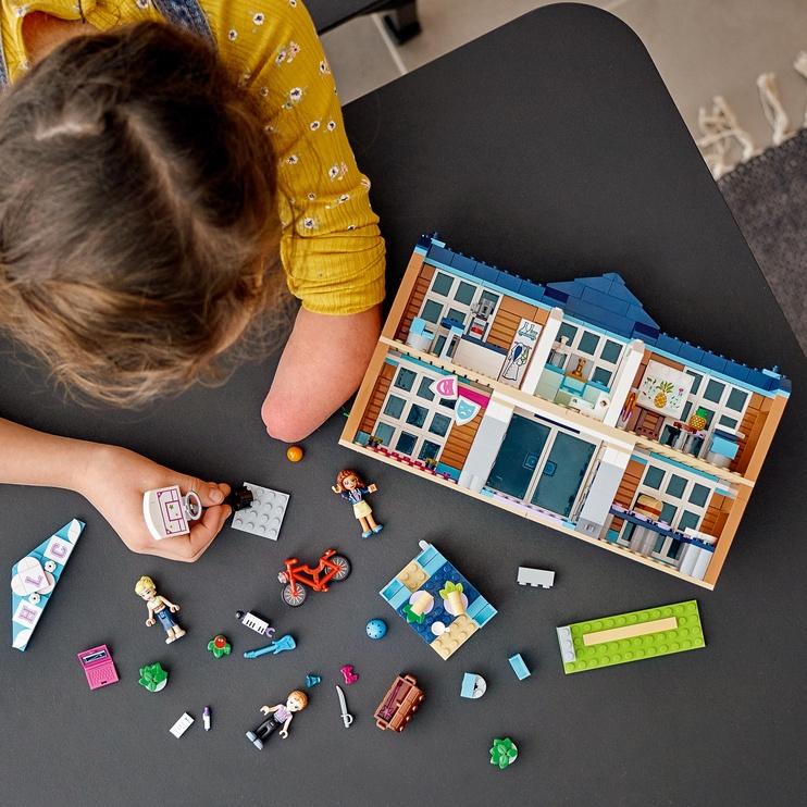 Конструктор LEGO Friends Heartlake City School 41682, 605 шт.