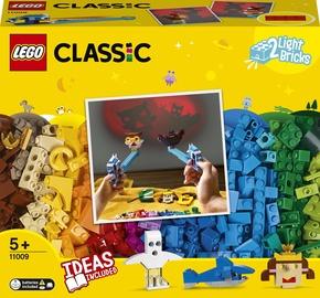 Конструктор LEGO Classic Bricks And Lights 11009, 441 шт.