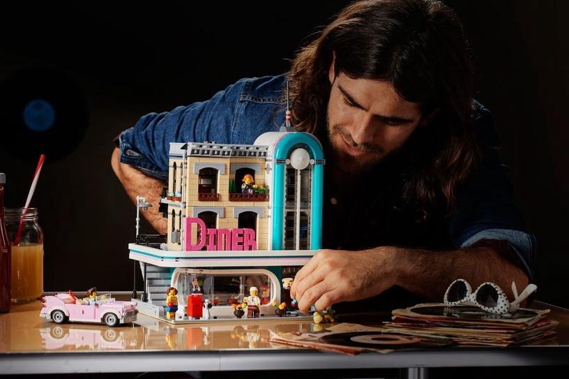 Конструктор LEGO Creator Downtown Diner 10260 10260, 2480 шт.