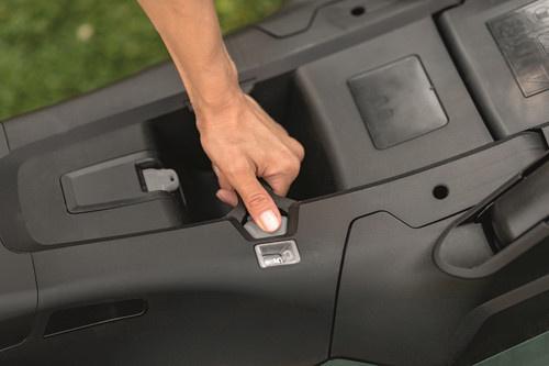 Аккумуляторная газонокосилка Bosch 36-950