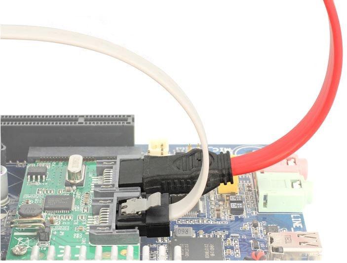 Delock Cable SATA / SATA White 0.3 m