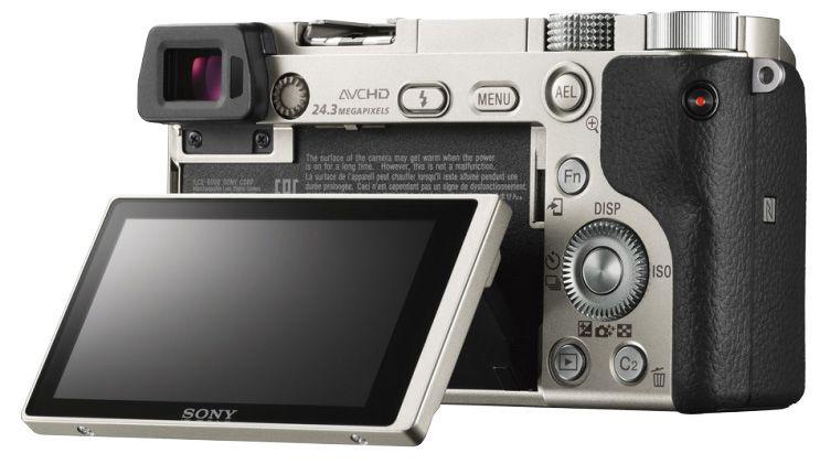 Sony Alpha A6000 Silver + 16-50mm