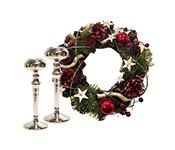 Ziemassvētku vainagi un svečturi