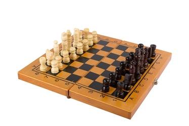 Žaidimų rinkinys (šachmatai, šaškės nardai)